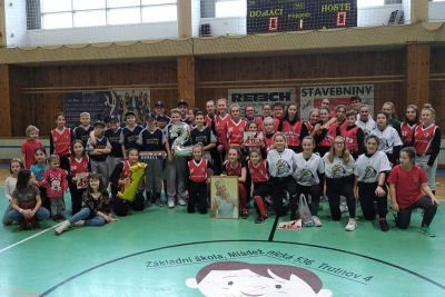 Účastníci softbalového turnaje Trutnovský drak