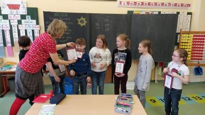 Děti druhé třídy v rámci programu Etické dílny