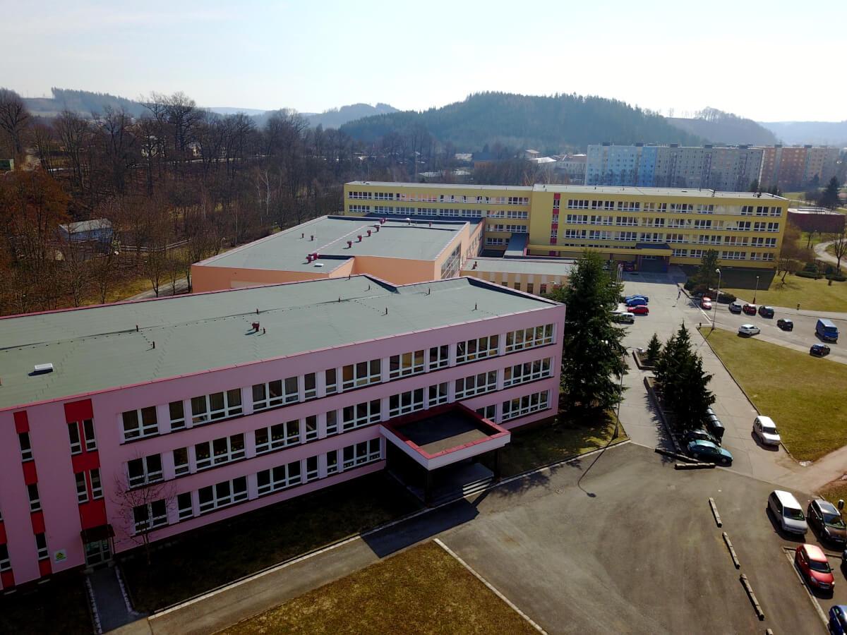 Areál ZŠ Mládežnická, Trutnov, pohled shora