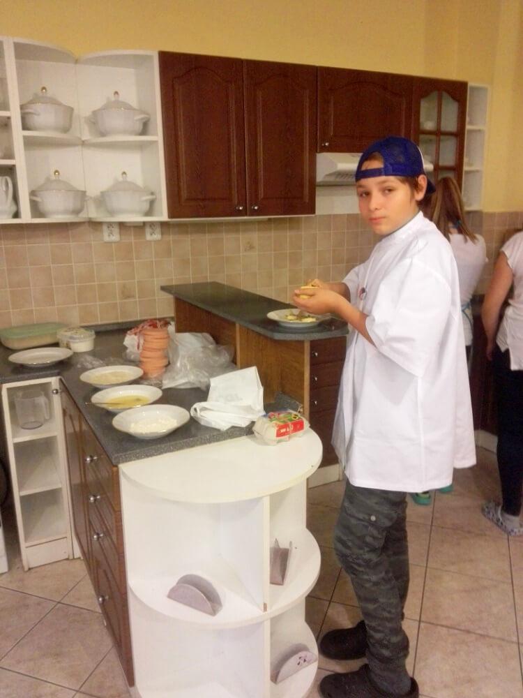 """Příprava jídla, výuka """"Gastronomická praktika"""""""